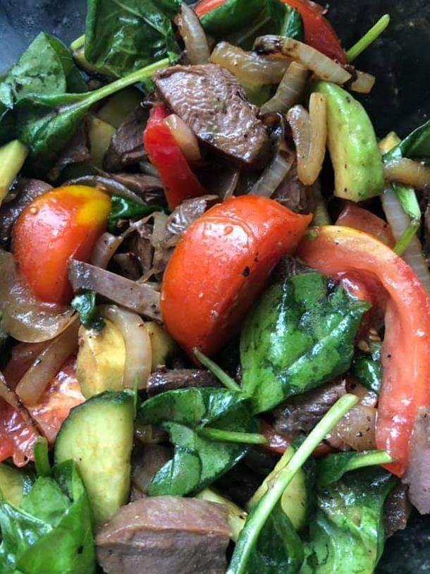 салат с жареным бекасом